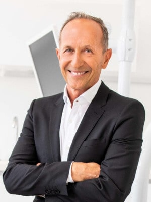 Zahnarzt Dr. Akos Feher