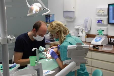 Wurzelbehandlung in Ungarn