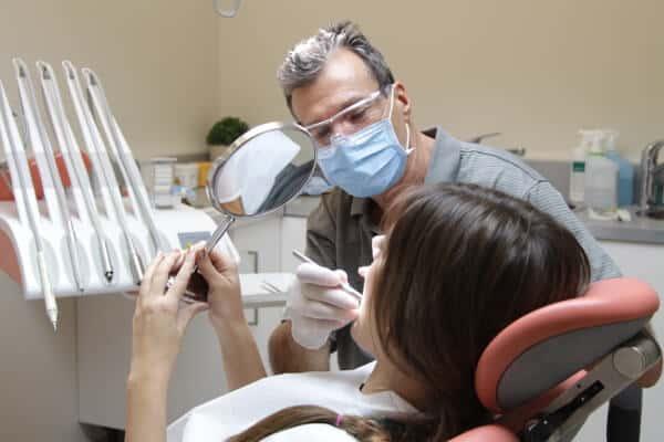 Toma Dental Zahnarzt in Sopron