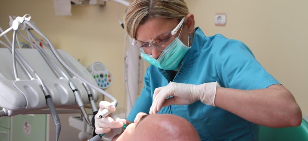 Professionelle Mundhygiene in Ungarn
